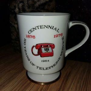 4 VINTAGE BICENTENNIAL/CENTENNIAL TELEPHONE MUGS❤
